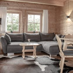 Q1-Couch_go-web
